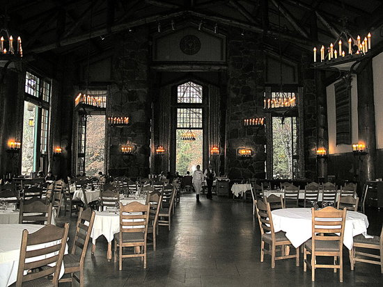 Touring the Ahwahnee Dining Room and Kitchen
