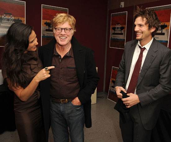 Demi Moore, Robert Redford, and Ashton Kutcher chatted at the Spread screening in 2009.
