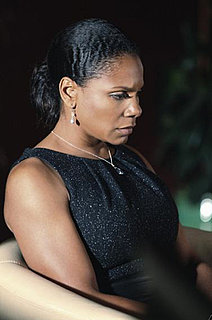 Audra McDonald as Naomi Bennett on Private Practice Style 2010-01-21 14:15:11