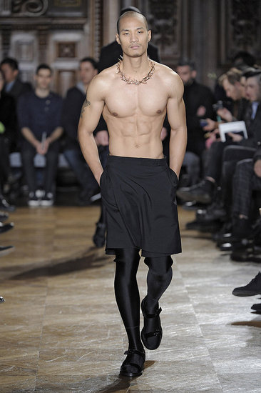 2010 Fall Men's Paris Fashion Week Collections From John Galliano, Givcenchy, Jean Paul Gaultier, and Louis Vuitton 2010-01-26 09:00:22