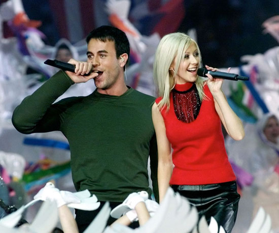Christina Aguilera and Enrique Iglesias performed together in 2000.