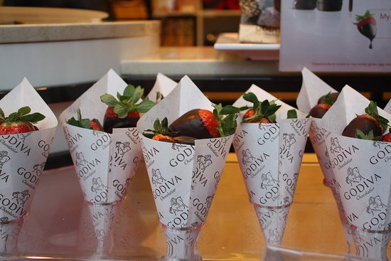 Who can resist chocolate-covered strawberries from Godiva? Dig a Cherry can&#039;t!