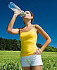 Drinking Cold Water Before and During a Workout Helps You Exercise Longer