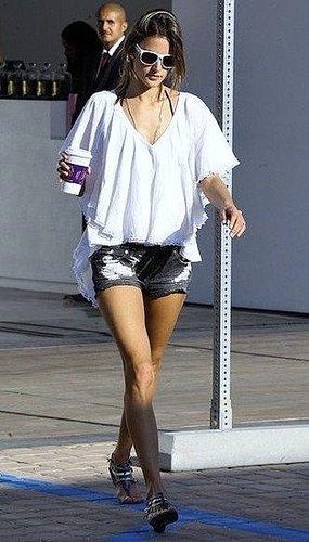 Alessandra Ambrosio Look #1