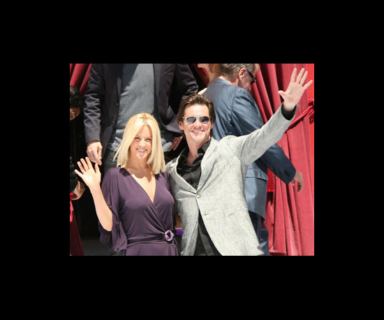 Jenny McCarthy and Jim Carrey Announce Split Via Twitter