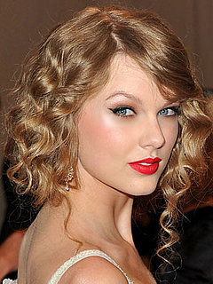 Taylor Swift at 2010 Costume Institute Gala 2010-05-03 17:26:46