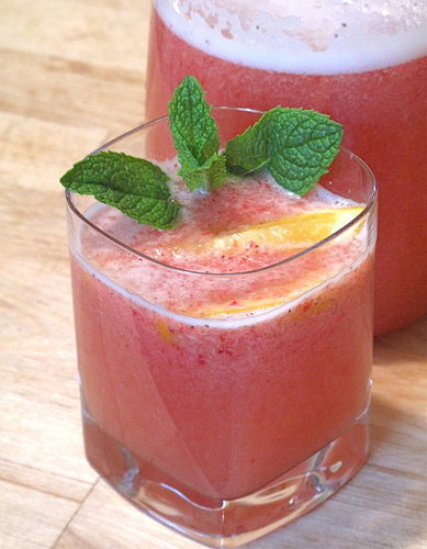 Sparkling Strawberry Cocktail Recipe