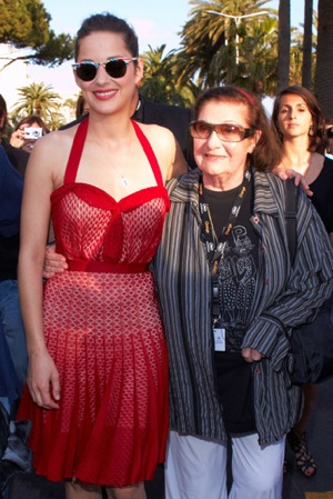 Marion Cotillard in Red Retro Dress at 2010 Cannes Film Festival
