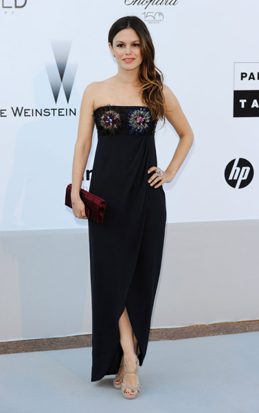 Rachel Bilson (in Chanel) proves that maxi dresses need not only be worn by the tall. Love the richness of the maroon clutch.