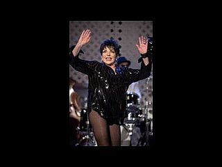 Liza Minnelli Covers Single Ladies For Sex and the City 2
