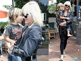 Pictures of Gwen Stefani and Kingston Rossdale Getting Nails Done