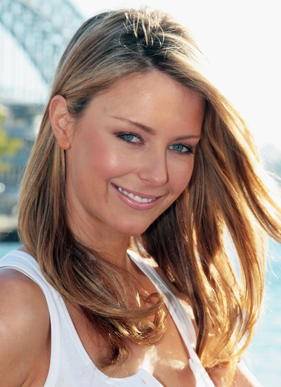 August 2006: Launching Her New COVERGIRL Campaign in Sydney