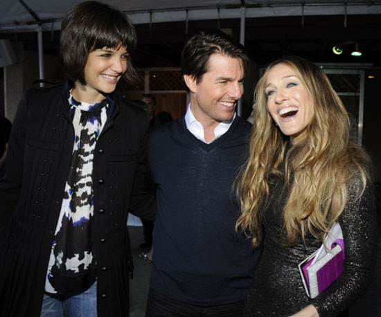 Katie Holmes, Tom Cruise, and Sarah Jessica Parker snuck in a little chat backstage in 2008.