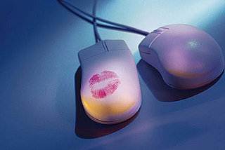 Companies Offer Online Dating Assistants