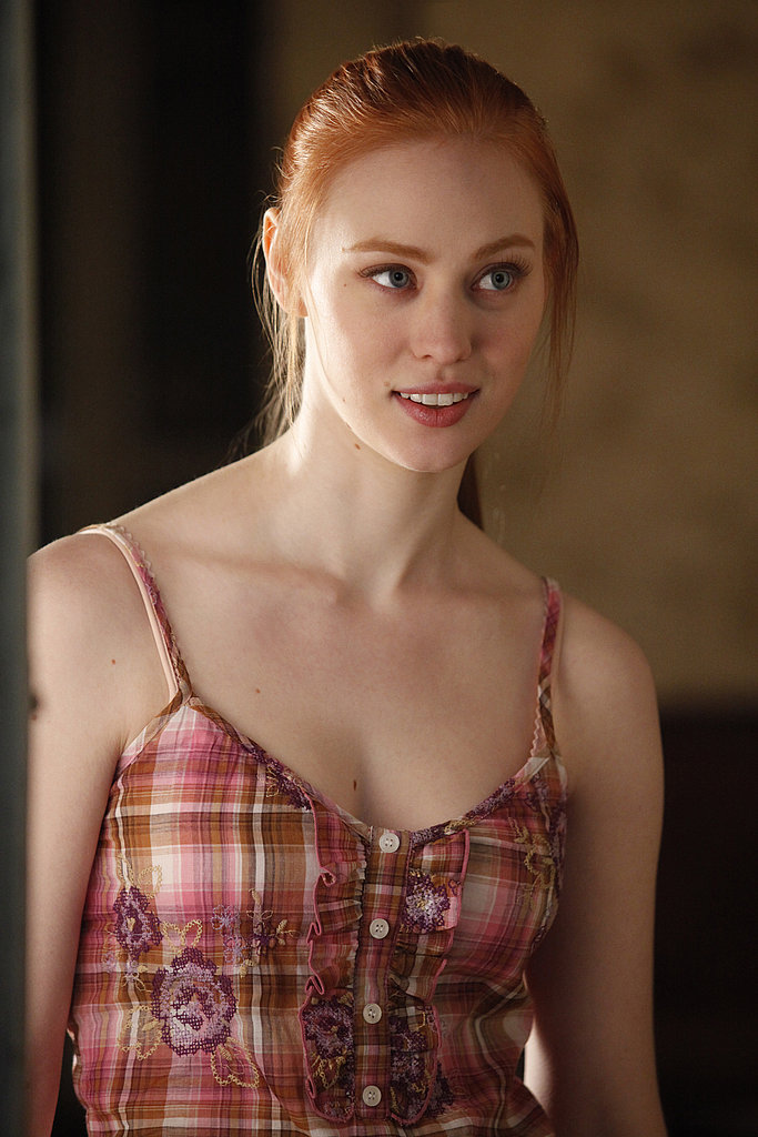 Jessica wears some adorable little sundresses, I think she is so beautiful. The rustic colors in this plaid and embroidered print complement her ginger hair.