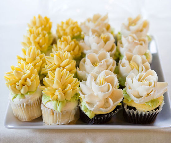 These frosting flower toppers are too pretty to eat! Photo by Genevieve and James Nisly via Source