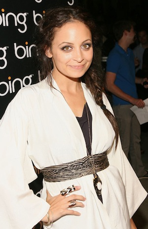 Pictures of Nicole Richie Wearing Tribal Jewelry