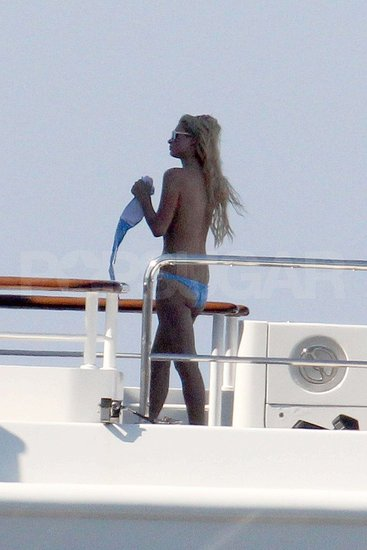 Pictures of Paris and Nicky Hilton in Bikinis