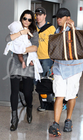 Pictures of Sandra Bullock and Louis Bullock 2010-07-15 14:28:10