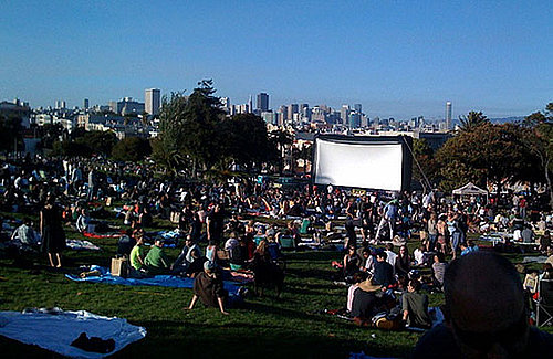 Packing Tips For Movie Night in the Park
