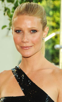 "Listen to Gwyneth Paltrow's ""Country Strong"""