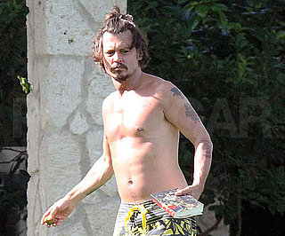 Slide Picture of Johnny Depp Shirtless in Hawaii 2010-08-02 16:30:00