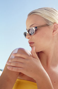 American Academy of Dermatology Says Retinyl Palmitate Is Safe in Sunscreens