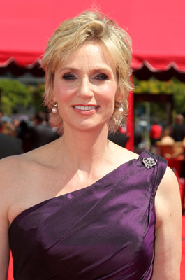 Jane Lynch Is the 2010 Emmy Winner For Best Supporting Actress in a Comedy