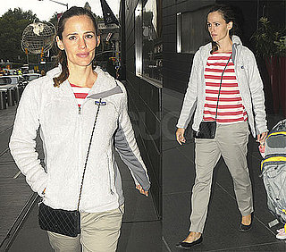 Pictures of Jennifer Garner and Violet Affleck in NYC