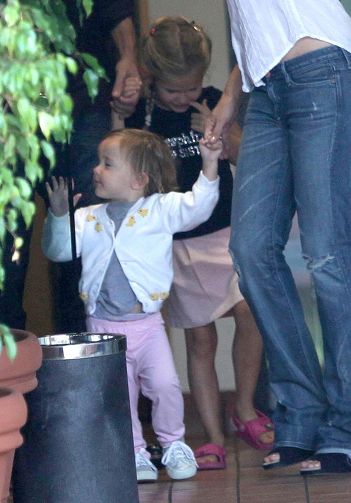 Photos of Violet Affleck, Seraphina Affleck, Jennifer Garner, Ben Affleck