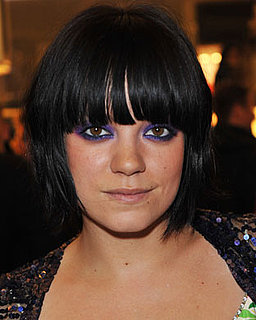 Picture of Lily Allen Wearing Heavy Purple Eye Shadow