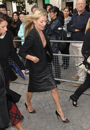 Kate Moss showed up in a black leather pencil skirt and Louboutin pumps.