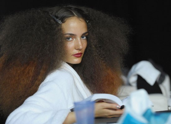 Beauty Byte: 1970s Beauty Trend Continues in London!