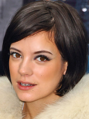 How to Get a Retro Smoky Eye Makeup Look Like Lily Allen