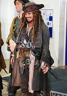 Pictures of Johnny Depp as Jack Sparrow Visiting Elementary School