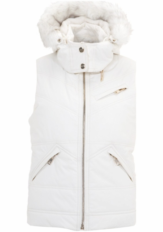 Get Winter-Fresh, Ski-Ready With Topshop SNO '10!