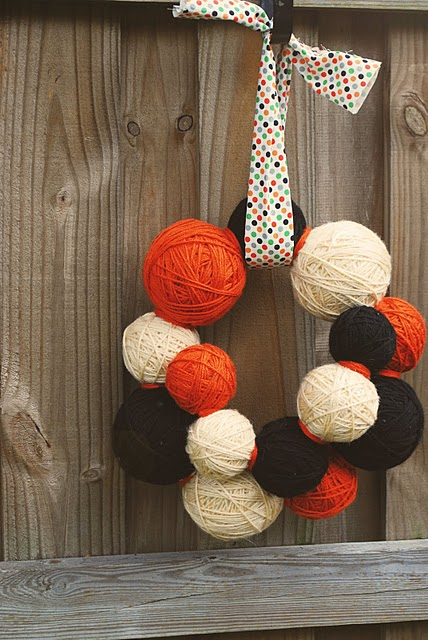 This yarn ball wreath, from Write It Down, is perfect for Halloween-celebrating knitters. I love the varying sizes of the yarn balls.