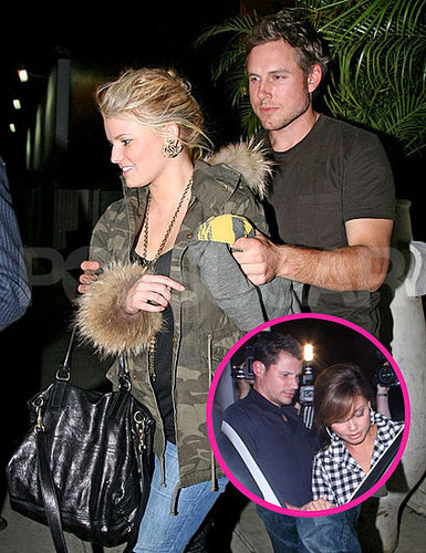 Pictures of Jessica Simpson Leaving the Restaurant Where Nick Lachey Was Eating