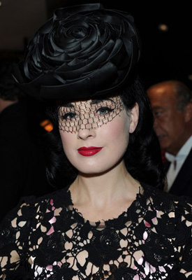 Dita Von Teese Has a Room For Hats, Which Item Would You Like a Room For? 2010-11-01 01:15:23