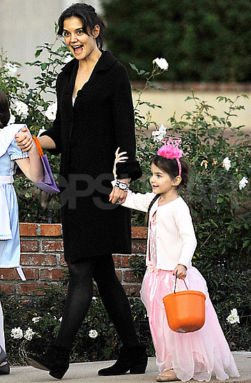 Pictures of Suri Cruise in Costume, Tom and Katie