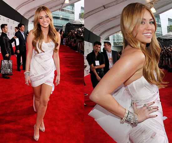Miley Cyrus at 2010 American Music Awards 2010-11-21 16:23:58