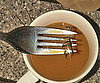 Guess Which Celebrity Dropped Her False Eyelashes in Her Coffee 2010-11-22 15:00:03