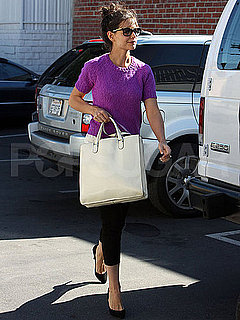 Pictures of Katie Holmes Shopping in LA 2010-11-29 06:00:00