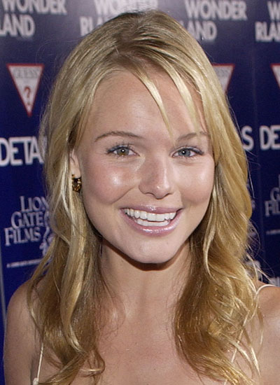 September 2003: Premiere of Wonderland