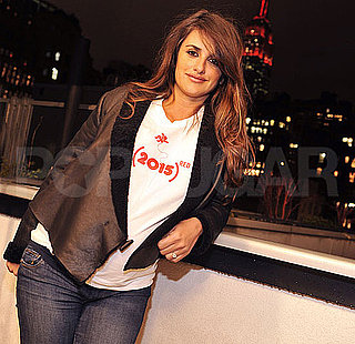 Pictures of Pregnant Penelope Cruz Turning the Empire State Building Red for World AIDS Day