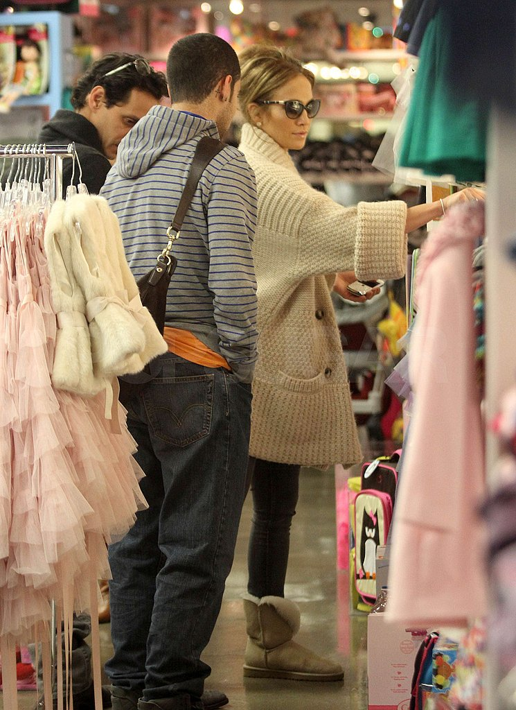 Jennifer and Marc Finally Get Down to Picking Presents For Max and Emme