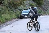 Dad-to-Be Orlando Bloom Stays in Model Shape by Biking