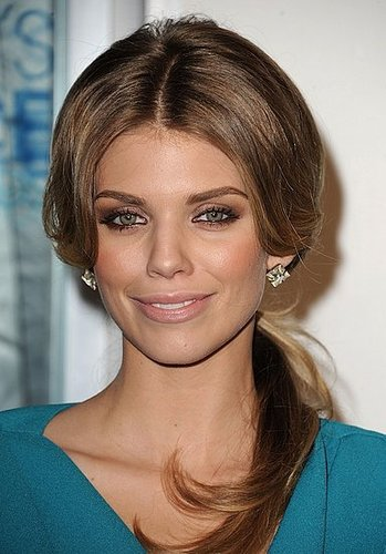 AnnaLynne McCord at 2011 People's Choice Awards