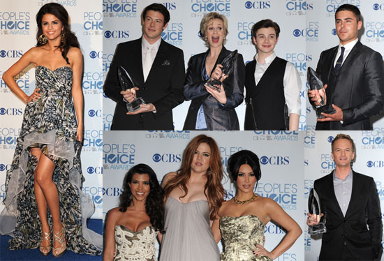 Pictures of Kim Kardashian, Zac Efron, Jane Lynch, Selena Gomez in the 2011 People&#039;s Choice Award Press Room 2011-01-06 05:43:12