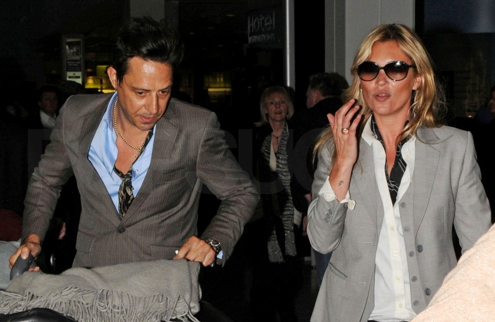 Kate Moss Chows Down Following Her Thai Getaway